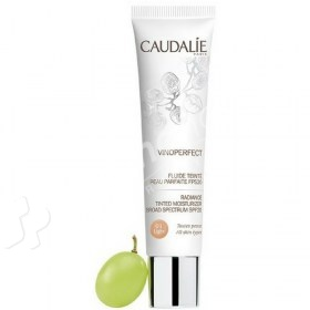 Caudalie Vinoperfect Tinted Radiance Moisturizer Broad Spectrum SPF20 light
